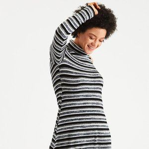 Soft & Sexy AEO Cold Shoulder Sweater Dress Small